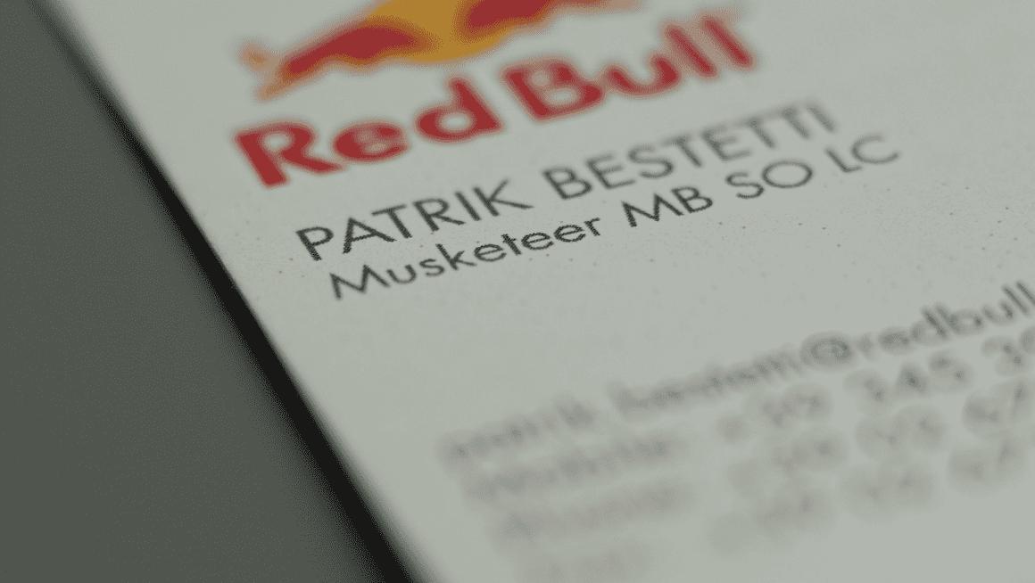Biglietto da visita moschettiere red bull